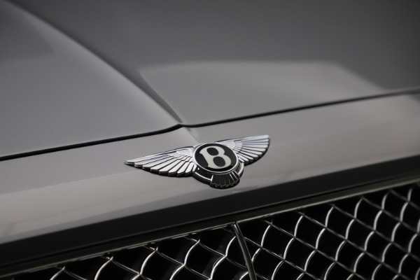 Used 2018 Bentley Bentayga W12 Signature Edition for sale $149,900 at Aston Martin of Greenwich in Greenwich CT 06830 15