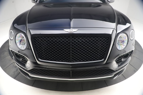 Used 2018 Bentley Bentayga Black Edition for sale $169,900 at Aston Martin of Greenwich in Greenwich CT 06830 13
