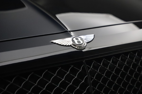 Used 2018 Bentley Bentayga Black Edition for sale $169,900 at Aston Martin of Greenwich in Greenwich CT 06830 14