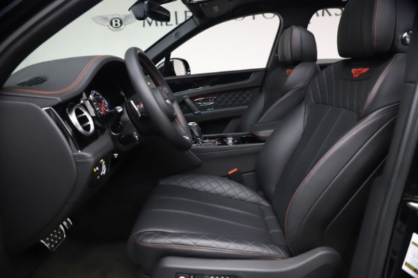Used 2018 Bentley Bentayga Black Edition for sale $169,900 at Aston Martin of Greenwich in Greenwich CT 06830 18