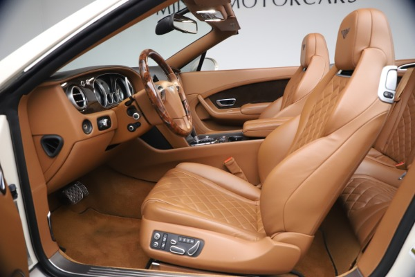Used 2017 Bentley Continental GT W12 for sale $159,900 at Aston Martin of Greenwich in Greenwich CT 06830 26
