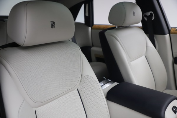 Used 2018 Rolls-Royce Ghost for sale $249,900 at Aston Martin of Greenwich in Greenwich CT 06830 15