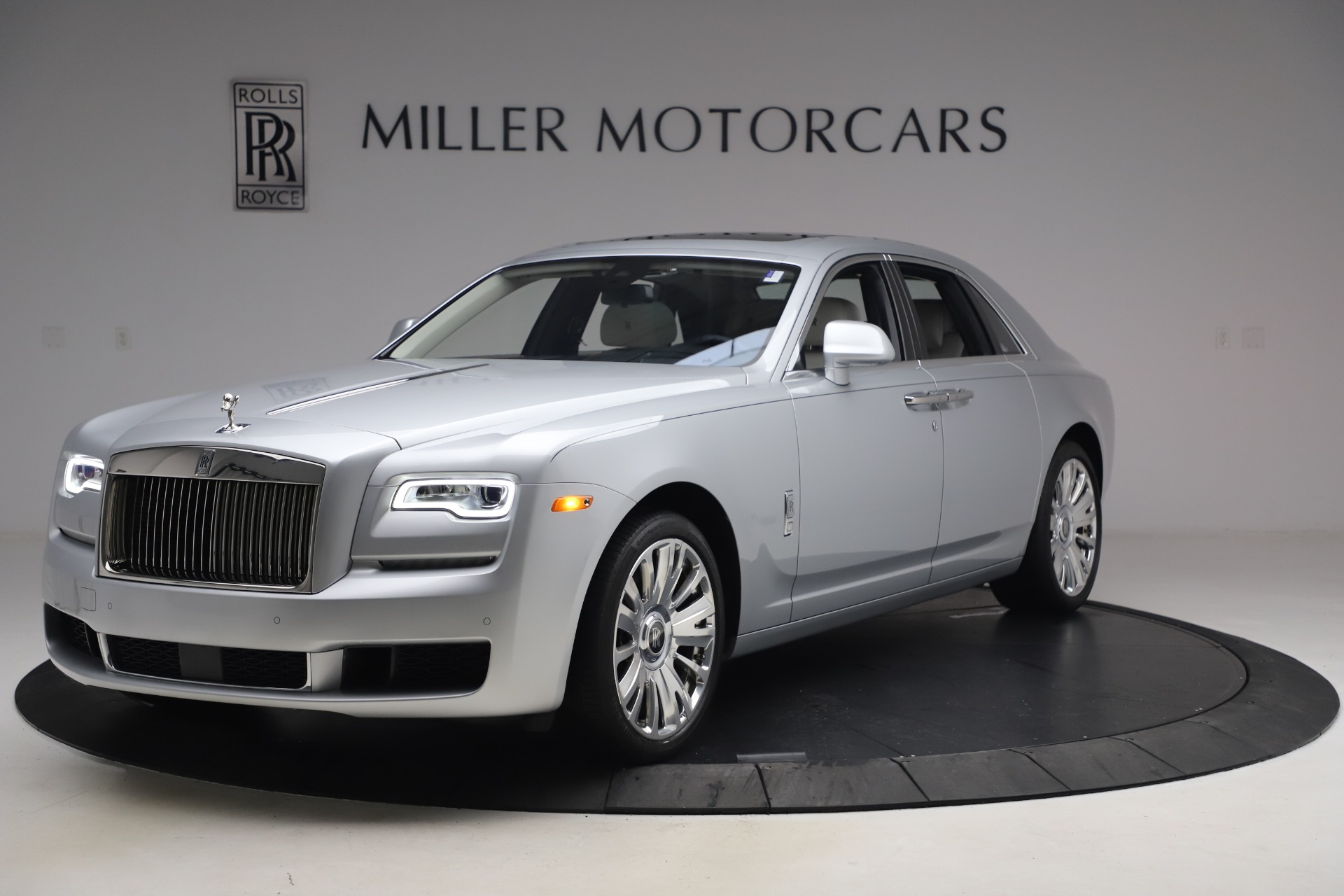 Used 2018 Rolls-Royce Ghost for sale $249,900 at Aston Martin of Greenwich in Greenwich CT 06830 1
