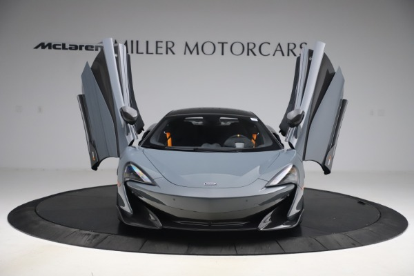 Used 2019 McLaren 600LT Coupe for sale $229,900 at Aston Martin of Greenwich in Greenwich CT 06830 11