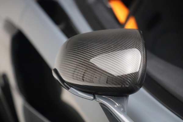 Used 2019 McLaren 600LT Coupe for sale $229,900 at Aston Martin of Greenwich in Greenwich CT 06830 27