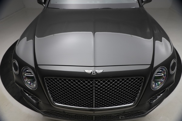 Used 2018 Bentley Bentayga W12 for sale $156,900 at Aston Martin of Greenwich in Greenwich CT 06830 15
