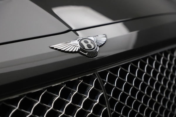 Used 2018 Bentley Bentayga W12 for sale $156,900 at Aston Martin of Greenwich in Greenwich CT 06830 16
