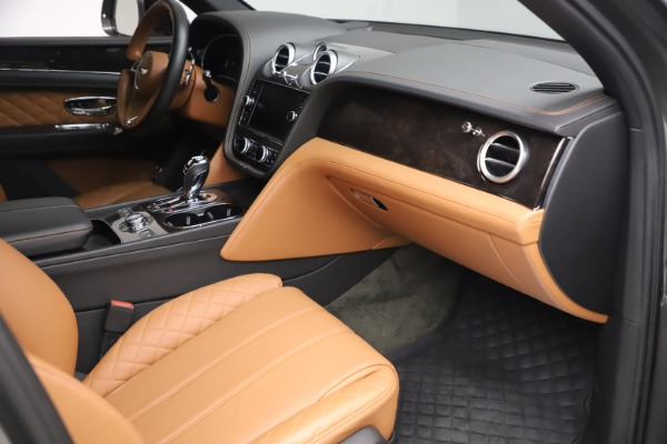 Used 2018 Bentley Bentayga W12 for sale $156,900 at Aston Martin of Greenwich in Greenwich CT 06830 28
