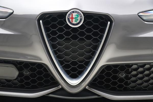 Used 2017 Alfa Romeo Giulia Ti Sport for sale $26,900 at Aston Martin of Greenwich in Greenwich CT 06830 14