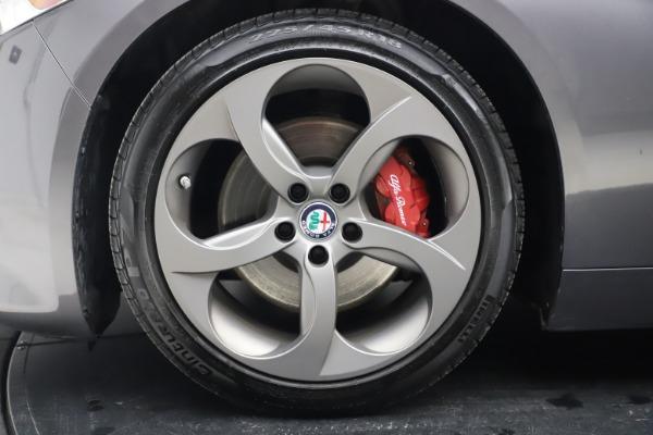 Used 2017 Alfa Romeo Giulia Ti Sport for sale $26,900 at Aston Martin of Greenwich in Greenwich CT 06830 15