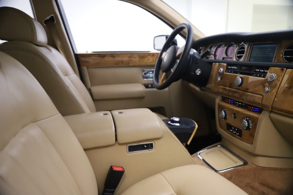 Used 2006 Rolls-Royce Phantom for sale $109,900 at Aston Martin of Greenwich in Greenwich CT 06830 21
