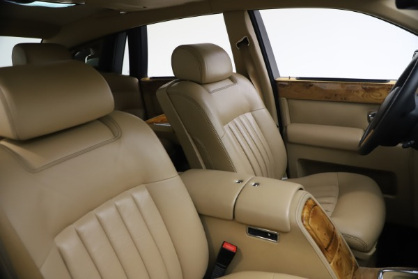 Used 2006 Rolls-Royce Phantom for sale $109,900 at Aston Martin of Greenwich in Greenwich CT 06830 22