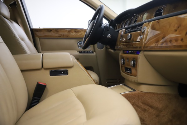 Used 2006 Rolls-Royce Phantom for sale $109,900 at Aston Martin of Greenwich in Greenwich CT 06830 24