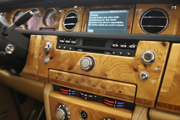 Used 2006 Rolls-Royce Phantom for sale $109,900 at Aston Martin of Greenwich in Greenwich CT 06830 25