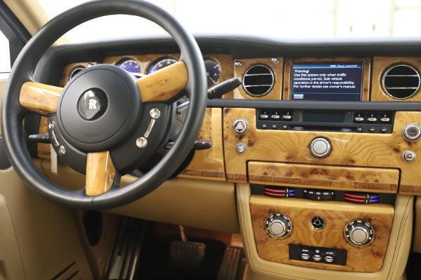 Used 2006 Rolls-Royce Phantom for sale $109,900 at Aston Martin of Greenwich in Greenwich CT 06830 27