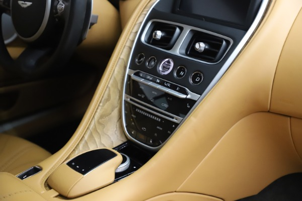Used 2017 Aston Martin DB11 V12 Coupe for sale $149,900 at Aston Martin of Greenwich in Greenwich CT 06830 22
