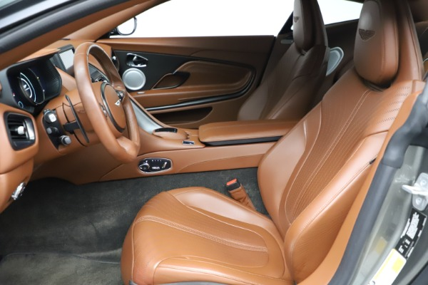 Used 2017 Aston Martin DB11 V12 Coupe for sale $134,900 at Aston Martin of Greenwich in Greenwich CT 06830 14