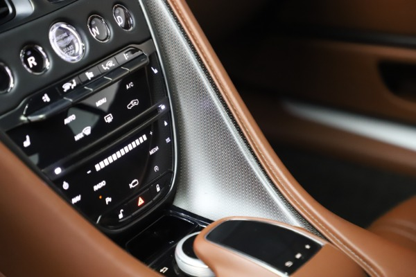 Used 2017 Aston Martin DB11 V12 Coupe for sale $134,900 at Aston Martin of Greenwich in Greenwich CT 06830 27