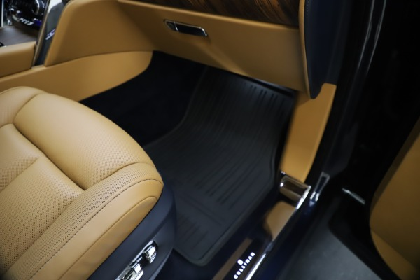 Used 2019 Rolls-Royce Cullinan for sale Sold at Aston Martin of Greenwich in Greenwich CT 06830 28