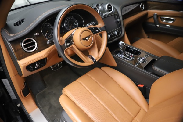 Used 2018 Bentley Bentayga Onyx Edition for sale $147,900 at Aston Martin of Greenwich in Greenwich CT 06830 12