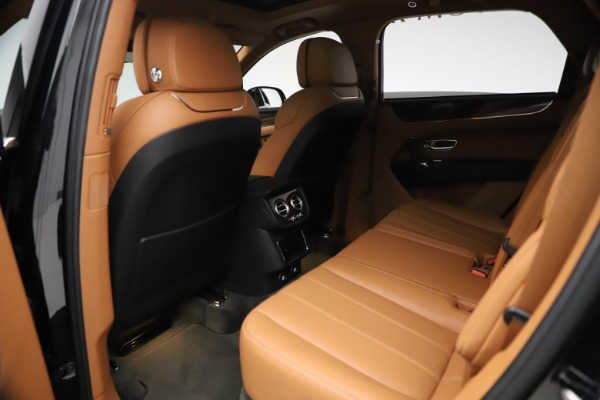 Used 2018 Bentley Bentayga Onyx Edition for sale $147,900 at Aston Martin of Greenwich in Greenwich CT 06830 16