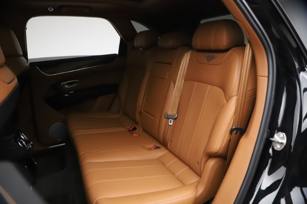 Used 2018 Bentley Bentayga Onyx Edition for sale $147,900 at Aston Martin of Greenwich in Greenwich CT 06830 18