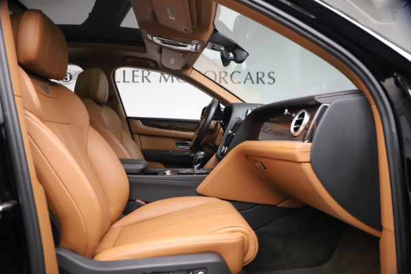 Used 2018 Bentley Bentayga Onyx Edition for sale $147,900 at Aston Martin of Greenwich in Greenwich CT 06830 21
