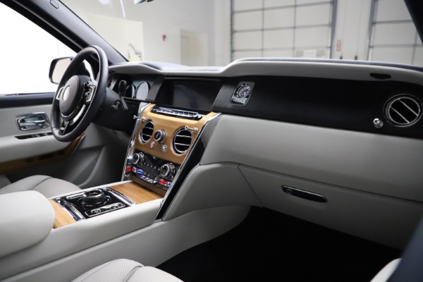 Used 2019 Rolls-Royce Cullinan for sale $349,900 at Aston Martin of Greenwich in Greenwich CT 06830 14