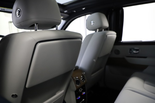 Used 2019 Rolls-Royce Cullinan for sale $349,900 at Aston Martin of Greenwich in Greenwich CT 06830 19