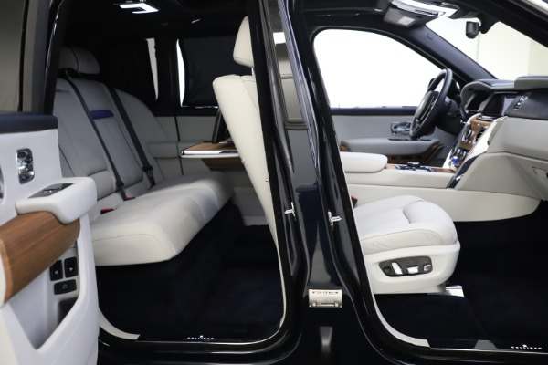 Used 2019 Rolls-Royce Cullinan for sale $349,900 at Aston Martin of Greenwich in Greenwich CT 06830 23