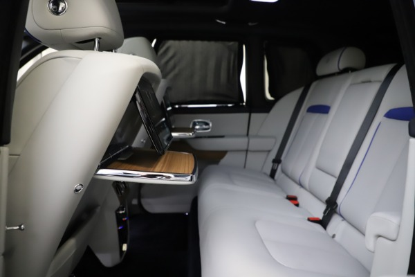 Used 2019 Rolls-Royce Cullinan for sale $349,900 at Aston Martin of Greenwich in Greenwich CT 06830 27