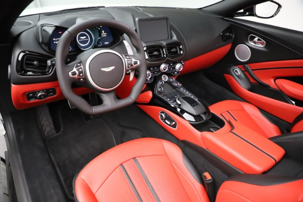 New 2021 Aston Martin Vantage Roadster Convertible for sale $189,186 at Aston Martin of Greenwich in Greenwich CT 06830 13