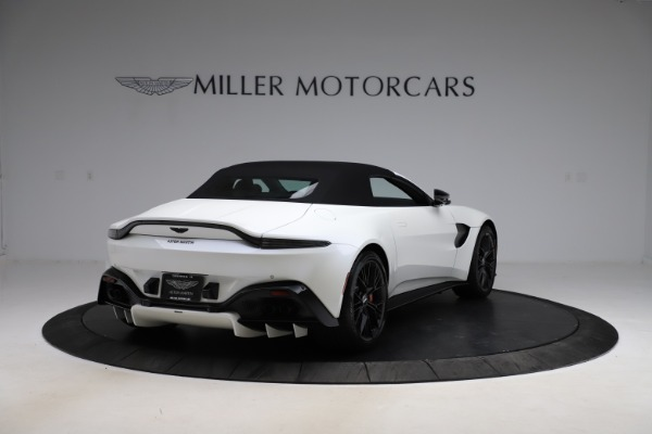 New 2021 Aston Martin Vantage Roadster Convertible for sale $189,186 at Aston Martin of Greenwich in Greenwich CT 06830 24