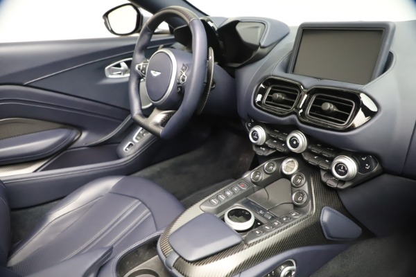 New 2021 Aston Martin Vantage Roadster Convertible for sale Sold at Aston Martin of Greenwich in Greenwich CT 06830 25
