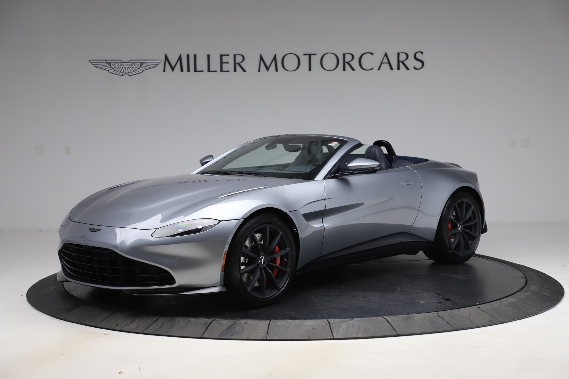 New 2021 Aston Martin Vantage Roadster Convertible for sale Sold at Aston Martin of Greenwich in Greenwich CT 06830 1