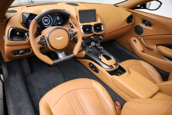 New 2021 Aston Martin Vantage Roadster Convertible for sale $205,686 at Aston Martin of Greenwich in Greenwich CT 06830 13