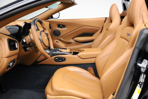 New 2021 Aston Martin Vantage Roadster Convertible for sale $205,686 at Aston Martin of Greenwich in Greenwich CT 06830 14