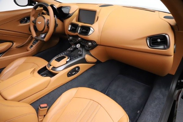 New 2021 Aston Martin Vantage Roadster Convertible for sale $205,686 at Aston Martin of Greenwich in Greenwich CT 06830 19