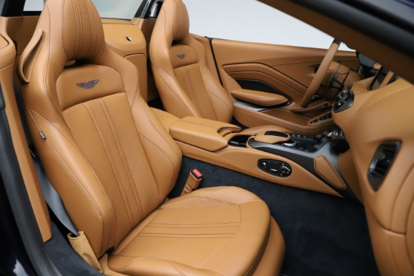 New 2021 Aston Martin Vantage Roadster Convertible for sale $205,686 at Aston Martin of Greenwich in Greenwich CT 06830 21