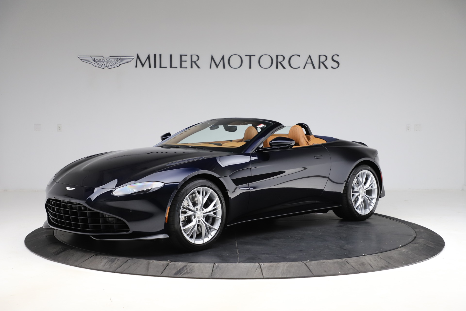 New 2021 Aston Martin Vantage Roadster Convertible for sale $205,686 at Aston Martin of Greenwich in Greenwich CT 06830 1