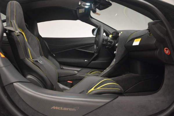 Used 2018 McLaren 720S Performance for sale $234,900 at Aston Martin of Greenwich in Greenwich CT 06830 22