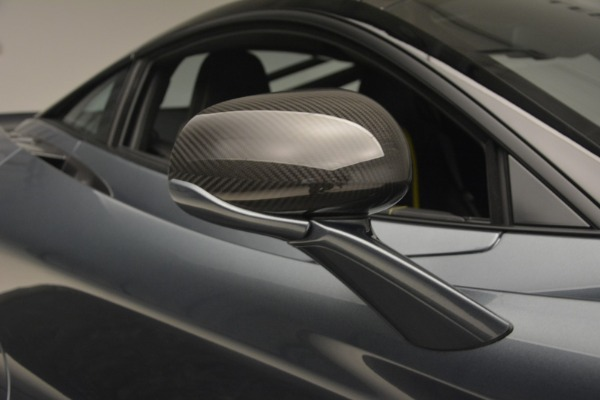 Used 2018 McLaren 720S Performance for sale $234,900 at Aston Martin of Greenwich in Greenwich CT 06830 25