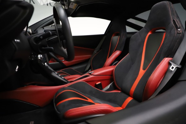 Used 2018 McLaren 720S Performance for sale $239,900 at Aston Martin of Greenwich in Greenwich CT 06830 18