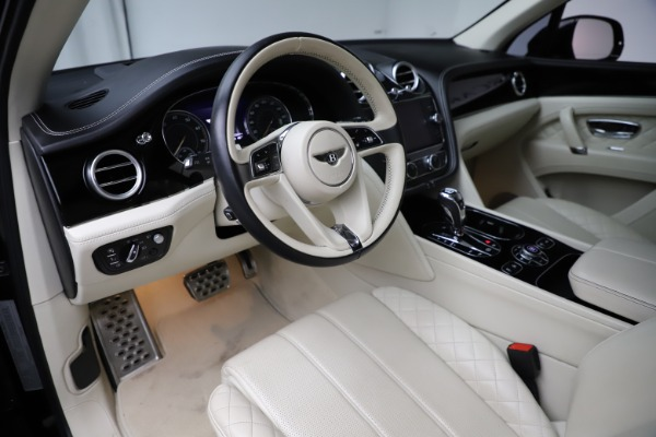 Used 2018 Bentley Bentayga W12 Signature for sale $154,900 at Aston Martin of Greenwich in Greenwich CT 06830 18