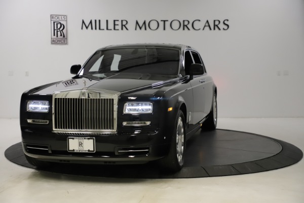 Used 2015 Rolls-Royce Phantom EWB for sale $299,900 at Aston Martin of Greenwich in Greenwich CT 06830 1