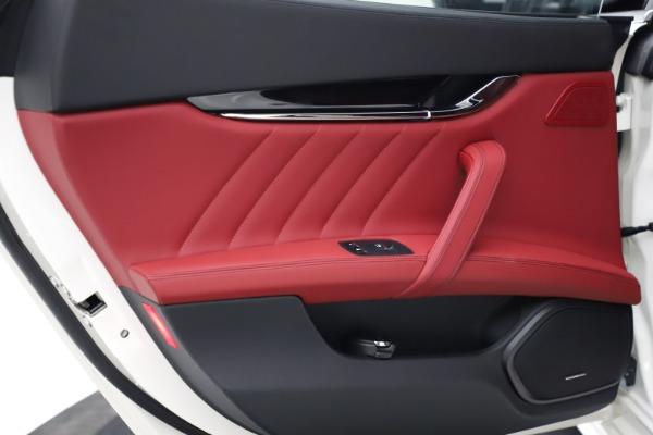 New 2021 Maserati Quattroporte S Q4 GranLusso for sale $122,349 at Aston Martin of Greenwich in Greenwich CT 06830 19