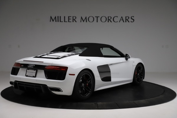Used 2018 Audi R8 Spyder for sale $154,900 at Aston Martin of Greenwich in Greenwich CT 06830 17