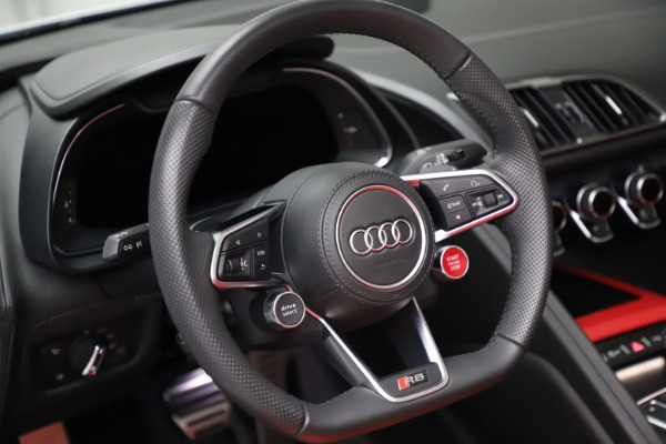 Used 2018 Audi R8 Spyder for sale $154,900 at Aston Martin of Greenwich in Greenwich CT 06830 24
