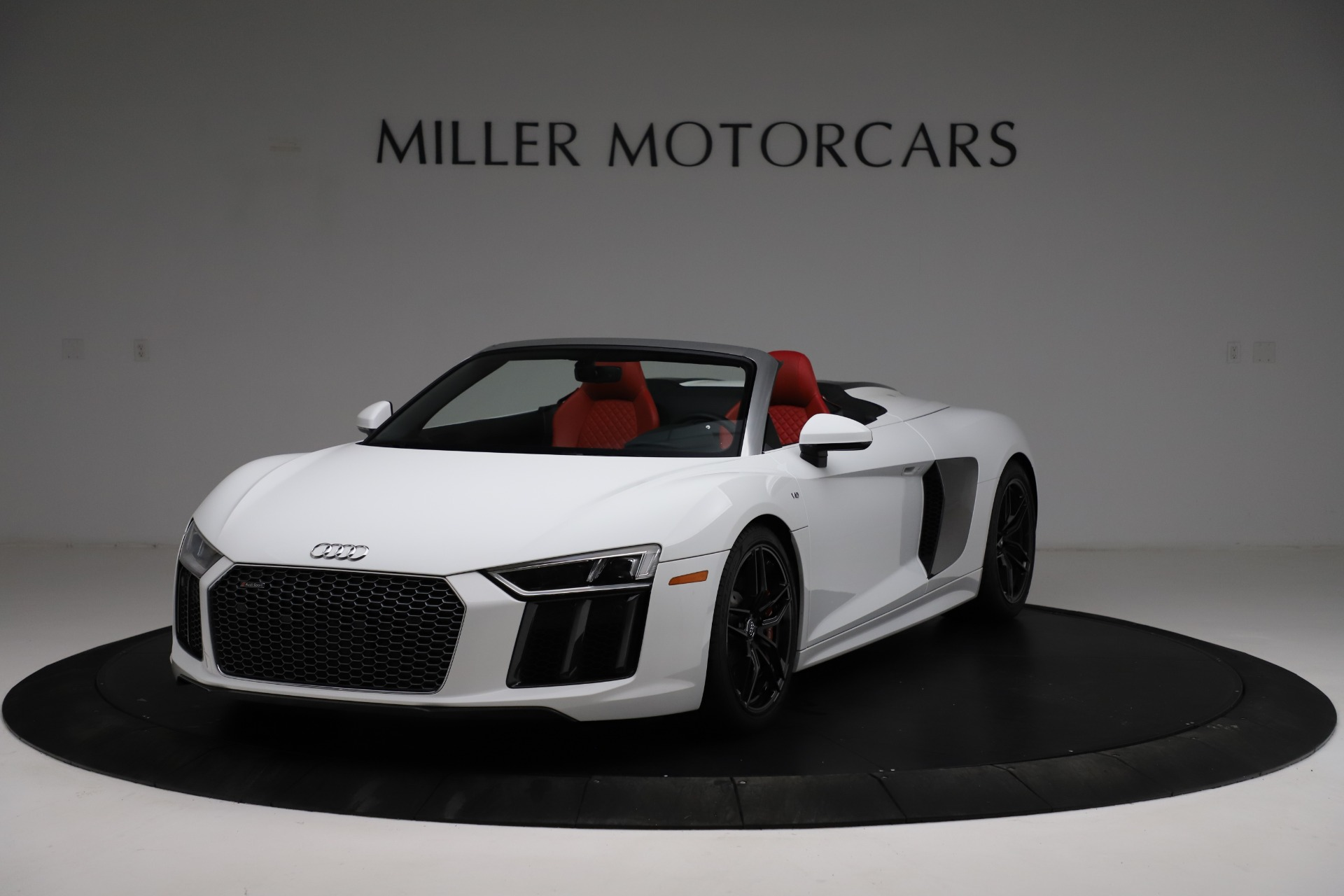 Used 2018 Audi R8 Spyder for sale $154,900 at Aston Martin of Greenwich in Greenwich CT 06830 1