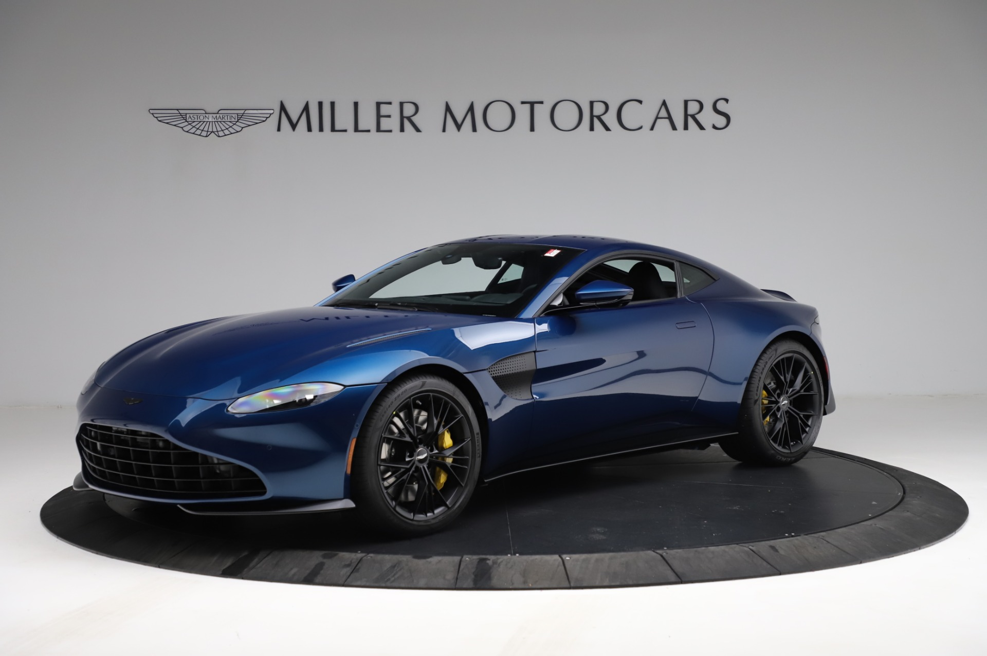 New 2021 Aston Martin Vantage Coupe for sale $179,386 at Aston Martin of Greenwich in Greenwich CT 06830 1